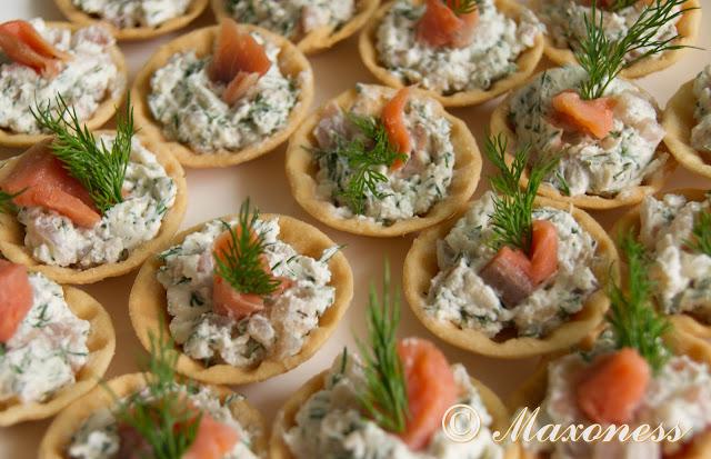 Тарталетки с кремом из лосося