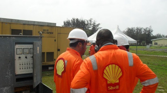 Shell 'halts' production over pipeline bombings