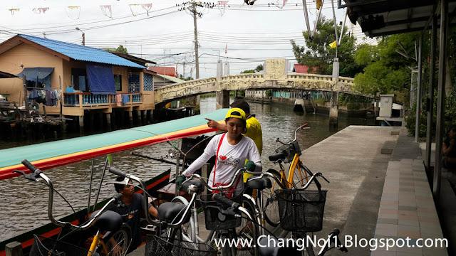 Fietsen met Co Van Kessel in Bangkok