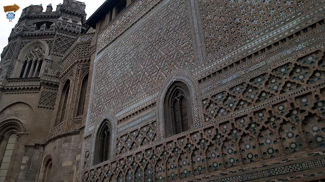 Exterior La Seo - Muro de la Parroquieta