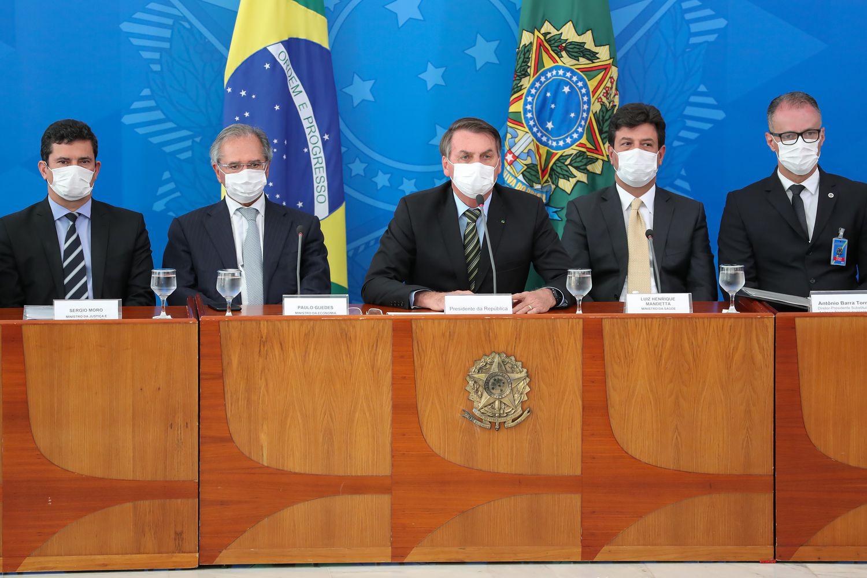 Casos de Covid-19 vão a 428 no Brasil, com quatro mortes e 11.278 suspeitas