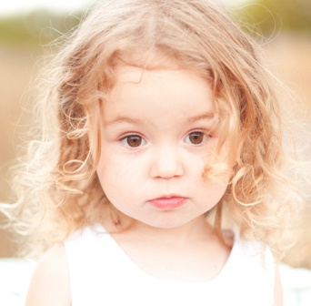 Sebuah bob keriting adalah cara gratis mudah dan kerumitan untuk gaya  rambut anak ... 1bc314bf83