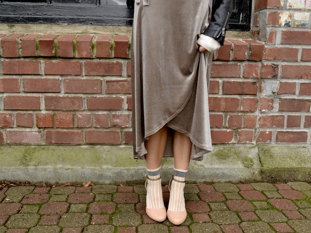 how to style socks with heels