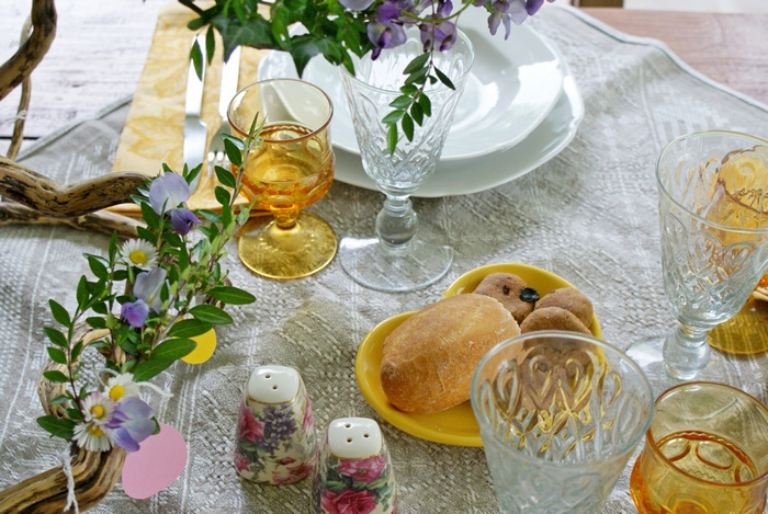 table setting spring easter