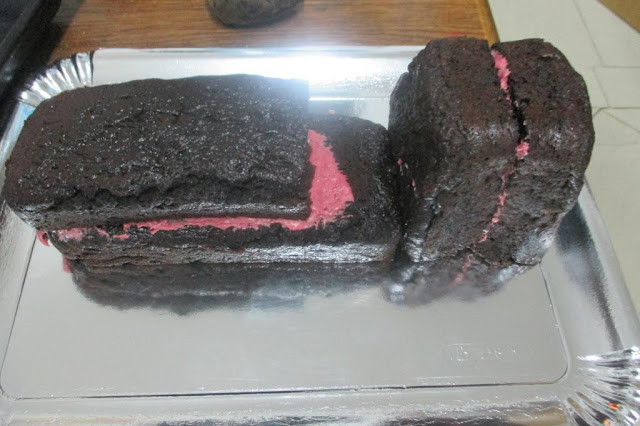 Frost Cut Cake Without Crumbs