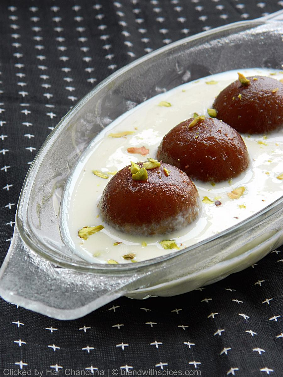 Gulab Jamuns with Rabri   Holi Festival Special RecipeGulab Jamun With Rabri