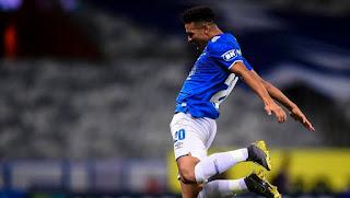 Cruzeiro goleia Patrocinense e avança à semi do Mineiro