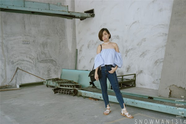 Off-Shoulder Blue Top Weekend Outfit #31