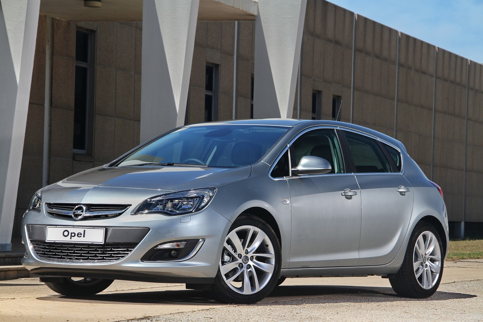 all cars logo hd opel sa refreshes astra range. Black Bedroom Furniture Sets. Home Design Ideas