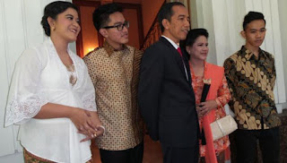 Kata Jokowi Terkait Kahiyang Pamer Cincin di Instagram