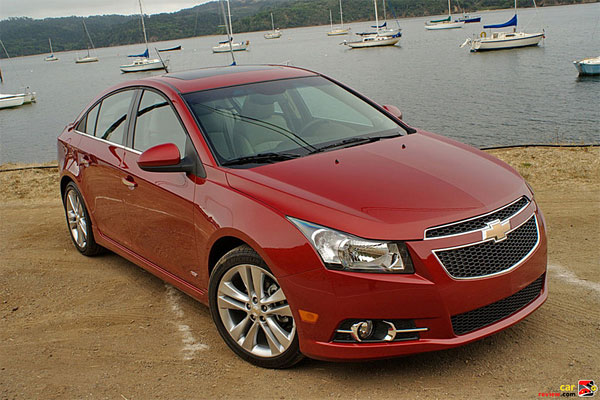 Look At the Car: 2013 Chevrolet Cruze Goes Diesel