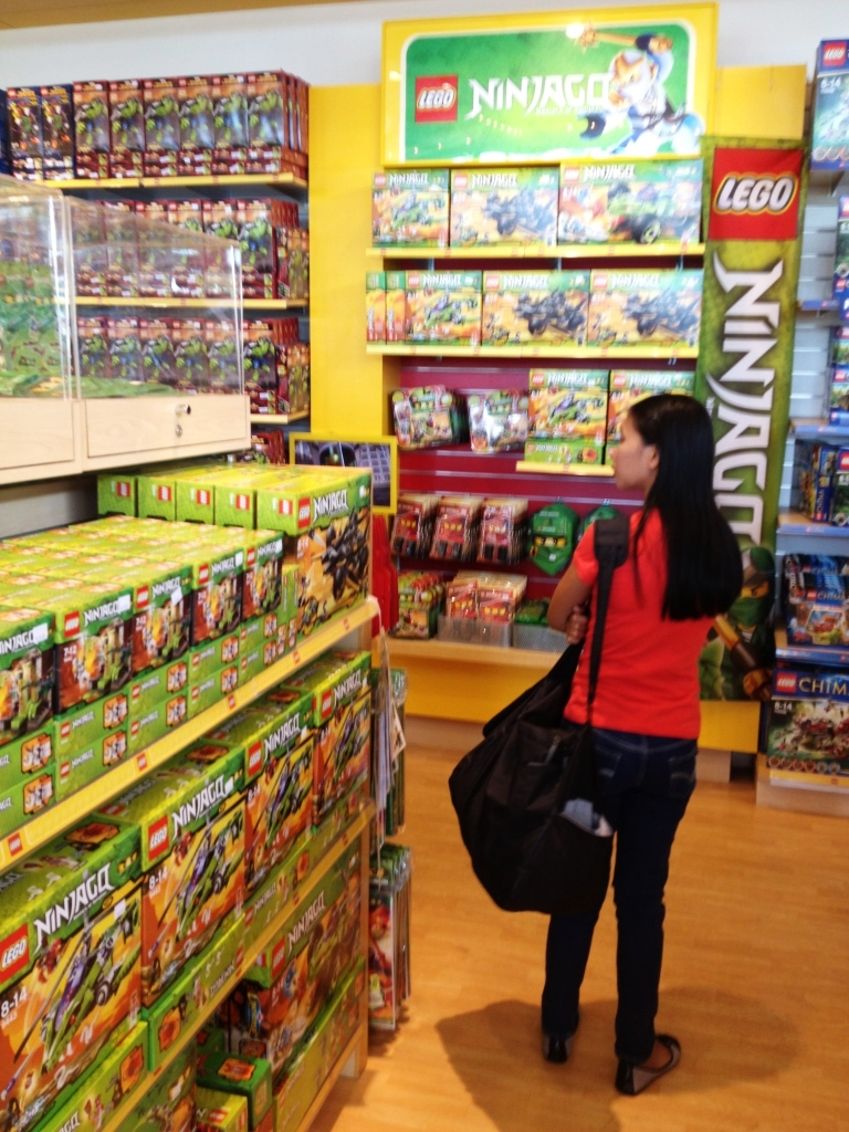 Our store is stuffed with awesomeness! We've got all the latest LEGO® products including Marvel Super Heroes, LEGO Batman and Ninjago. Plus, exclusive limited-edition items! Take home a souvenir from your LEGO adventure or pop by any time – you don't need a LEGOLAND .