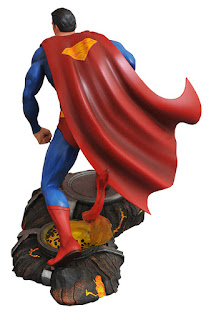 Diamond Select Gallery PVC Diorama DC Comics Superman 001