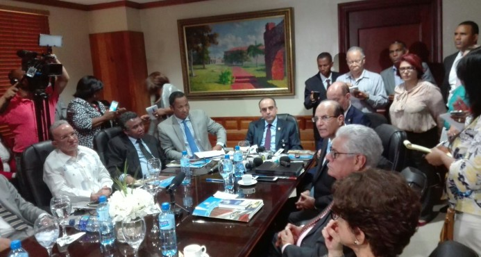 Senado convoca a partidos mayoritarios a discutir proyecto de Ley de Partidos