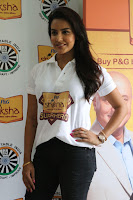 Actress Priya Anand in T Shirt with Students of Shiksha Movement Events 19.jpg