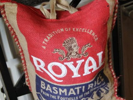 12 ideas for reusing burlap rice sacks {thrifty thursday}