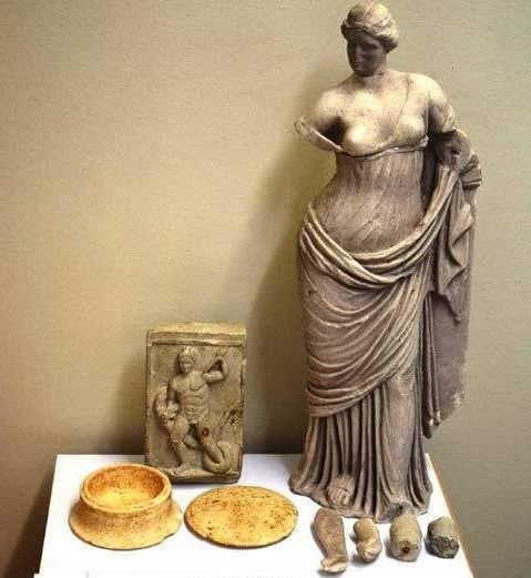 Santorini Aphrodite retrieved in smuggling bust
