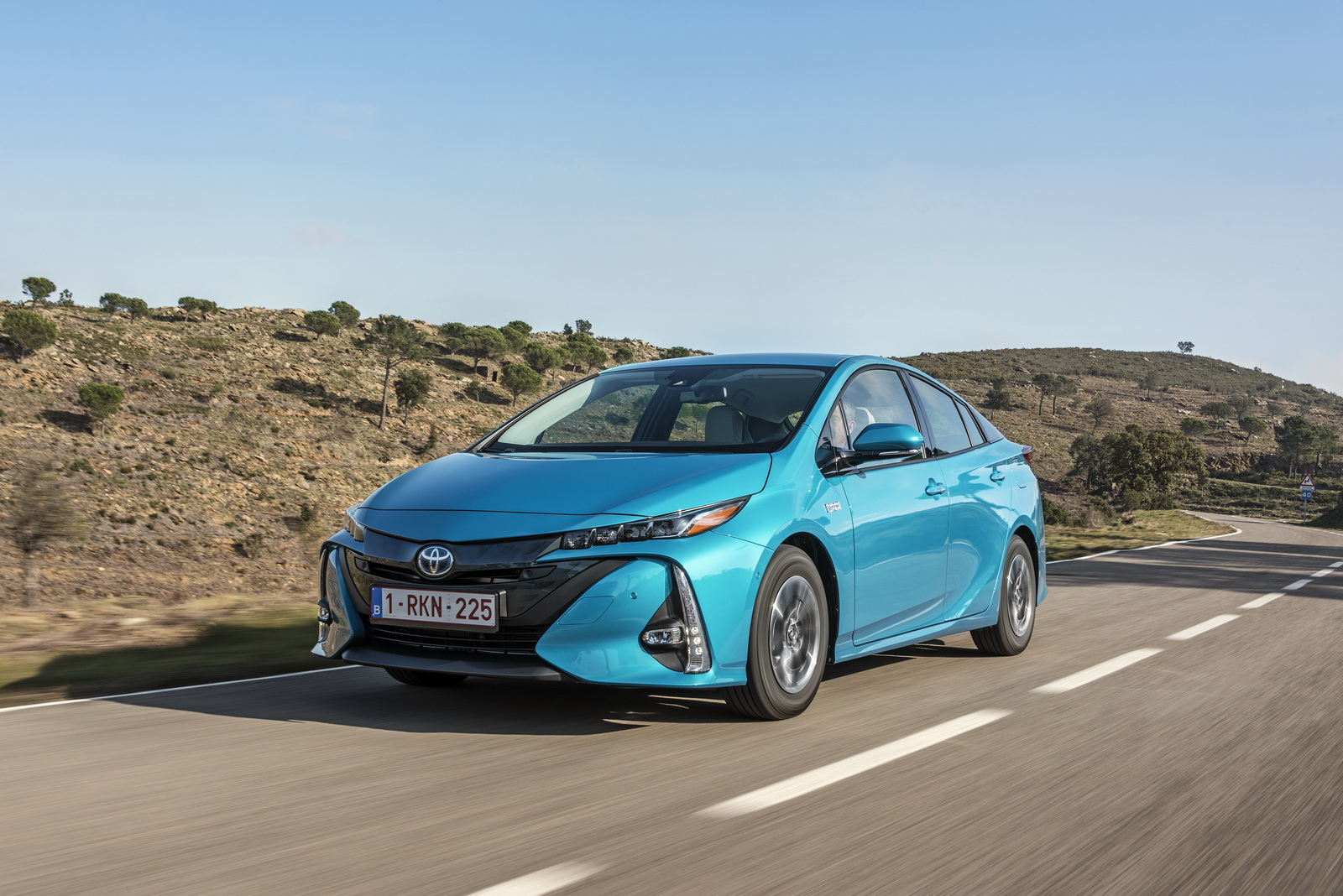 toyota details new prius plug in hybrid for european customers 100 pics carscoops. Black Bedroom Furniture Sets. Home Design Ideas
