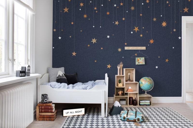 Gwiazdy na ścianie pokoju dziecka