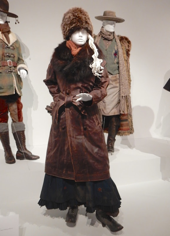 Hateful Eight Daisy Domgergue movie costume