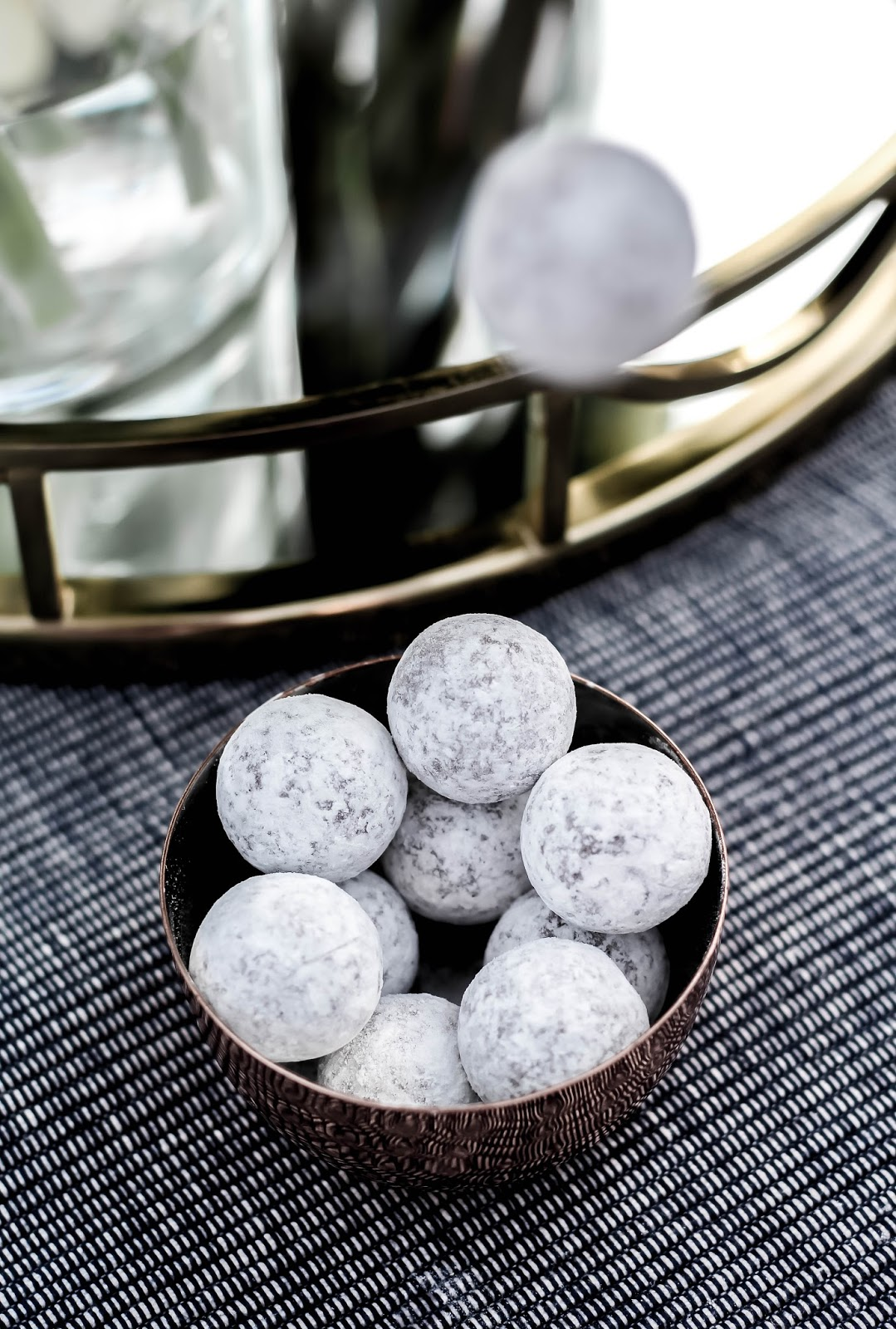 M&S Box of Dusted Champagne Truffles