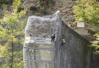 Ολοκληρώθηκαν οι πρώτες εργασίες για την στερέωση του γεφυριού της Πλάκας