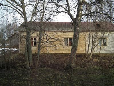vanha talo, kummitustalo, tammikuu, lumeton talvi