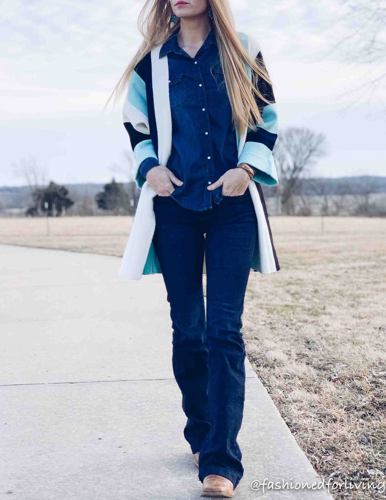 womens spring cowboy boots cardigan outfit