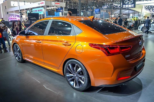Next-Gen 2017 Hyundai Verna rear look