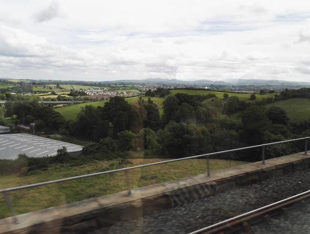 maisemat junasta irlanti