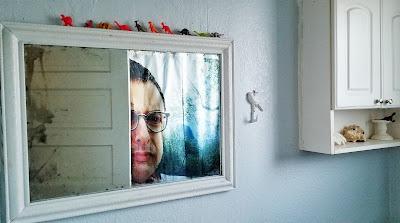 refabulous thrift score mirror for bathroom redo, thrifted