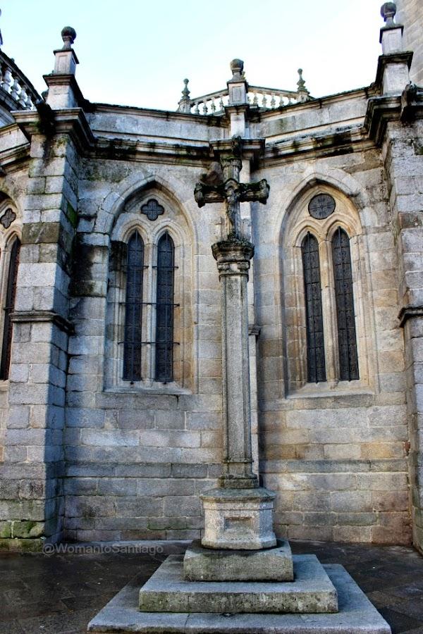 cruceiro-catedral-lugo-camino-de-santiago-primitivo