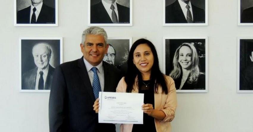 Periodista Sonia Millones Alvarado, de Editora Perú ocupa primer puesto en concurso de Apeseg