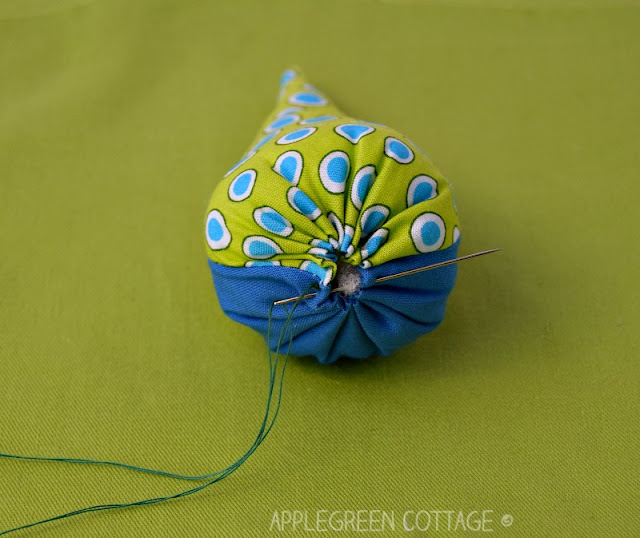Free pattern with a beginner sewing tutorial for cone-shaped Christmas tree ornaments you can make this Christmas! Totally easy and quick to make.