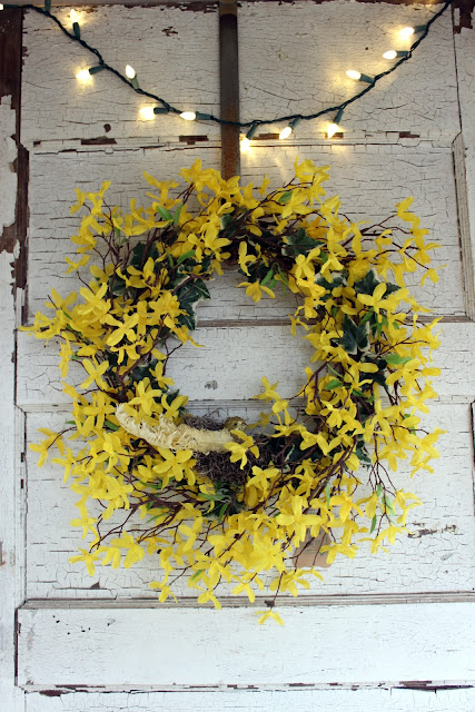 yellow wreath with bird