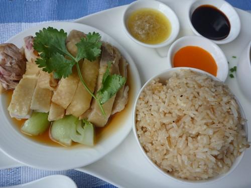 本場の海南鶏飯 ハイナンチキンライス Hainanese chicken rice