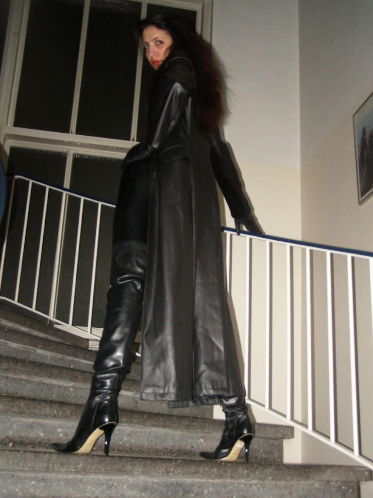 Leather Leather Leather Blog: Leather Leather Lady 2 (Part ...