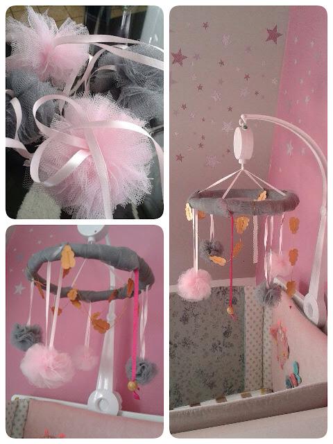 mobile enfant naissance pompon tulle dentelle guirlande nuages princesse DIY