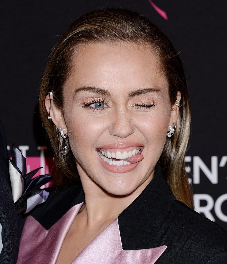 Hollywood actresses single 20 Female