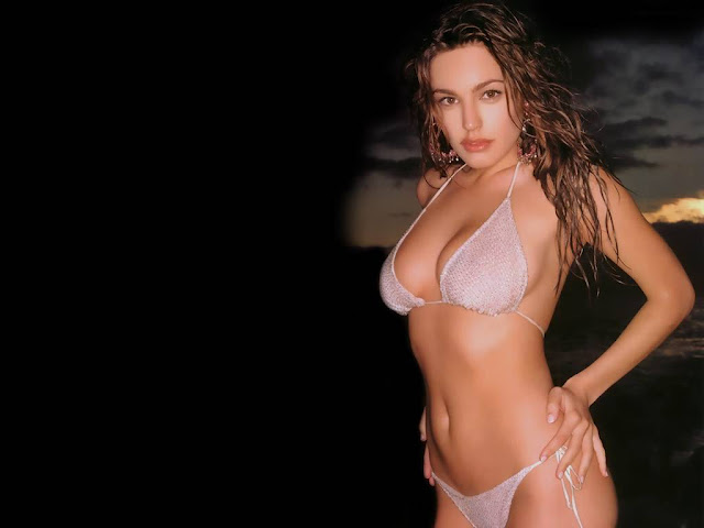 Ondiessemellyandro BLog: Kelly Brook Wallpapers Topless