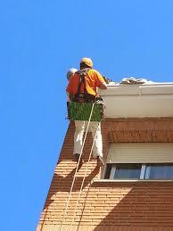 Reformas reformas en tejados y fachadas mediante trabajos - Precio de canalones de pvc ...