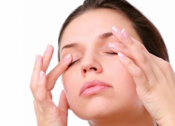 Πώς να απαλλαγείτε από τους μαύρους κύκλους κάτω από τα μάτια