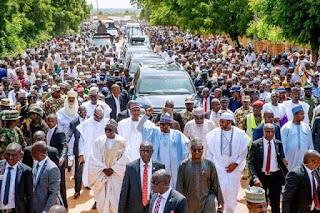 Buhari Shuns Protocol,Walks 800 Meters Home After Sallah Prayers