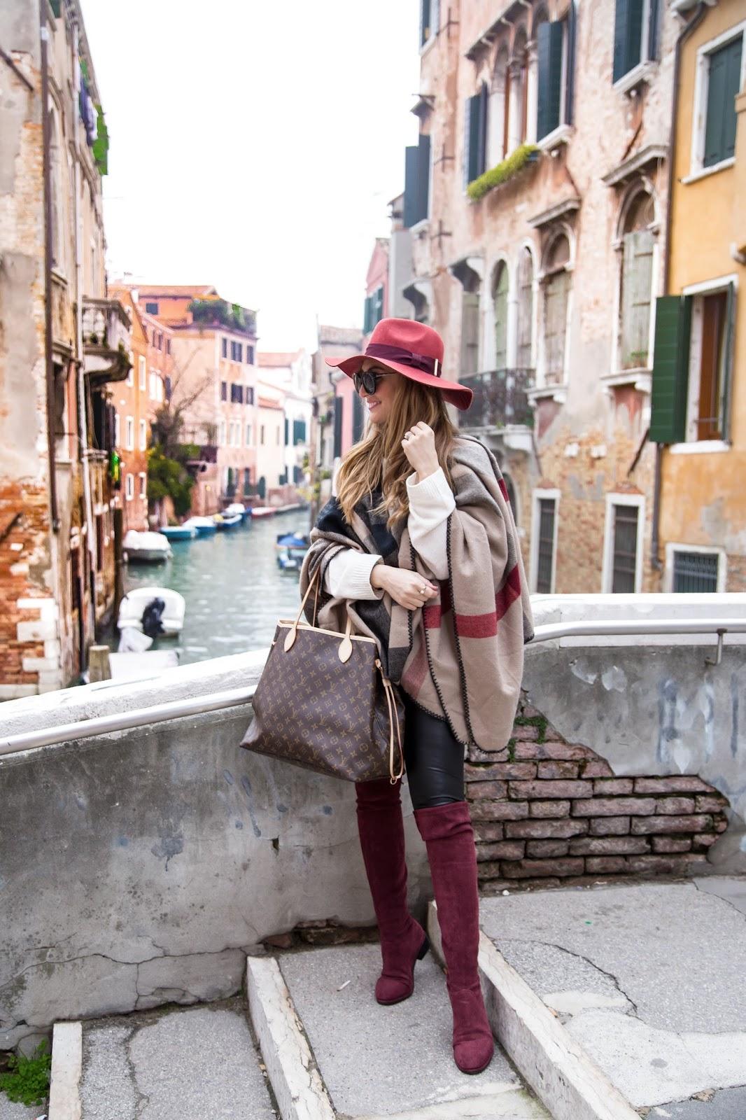 burberry-poncho-klassich-weinroter-Hut-fedora-hut-louis-vuitton-tasche-neverfull-gm-tache-was-trage-ich-im-winter-winter-outfits-fashionblogger-blogger-style-im-winter