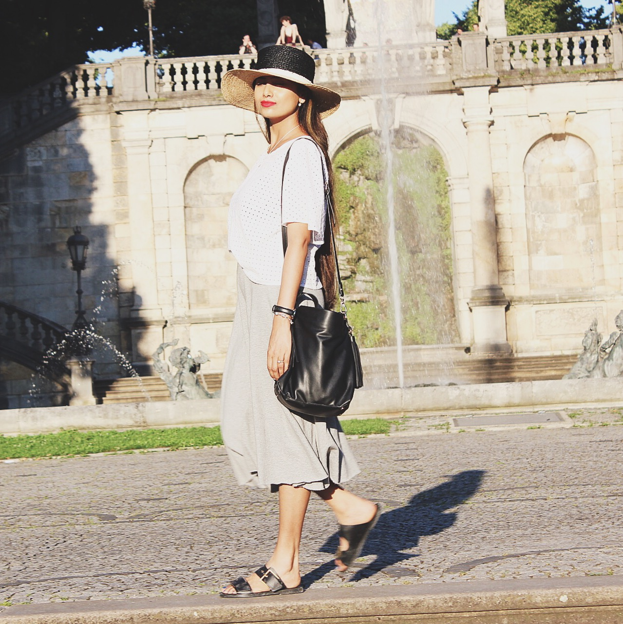 comfy chic, cool color palette, effortless chic, match jewelry, neutral outfit, parisian chic, popular silver jewelry, dress for exploring, dress while traveling, dress sightseeing, 2016 street style, 2016 neutral outfit, london street style, style hat, fresh outfit, style neutrals, top indian blogger, uk blogger, white and grey, style slides, classic outfit idea