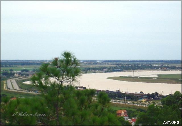 con sông Lam uốn khúc - Nghệ An