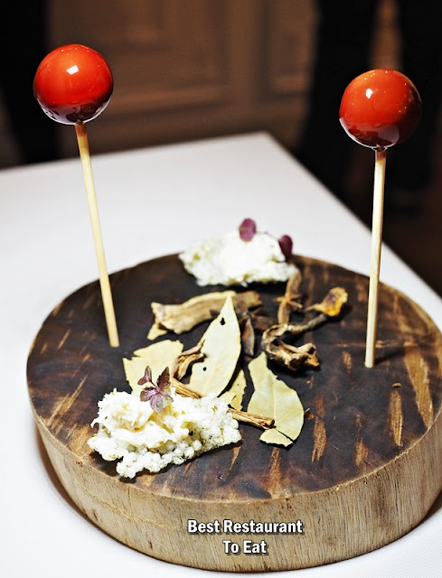 CHAMPIGNONS AT OASIS  - Foie Gras Lollipop With Port Wine and Seaweed Cracker With Citrus Crab Meat