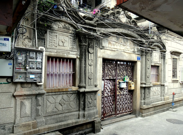 Beautiful yet crumbling building in Xiamen