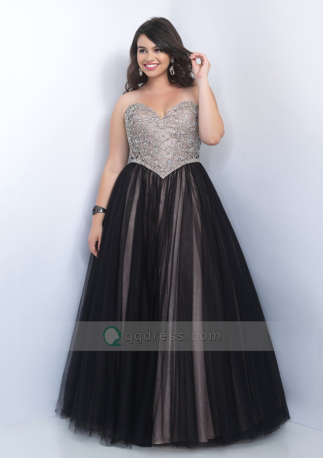 d199358220e This strapless sequin black gown is gorgeous. If your goal is to look like a  princess on prom night