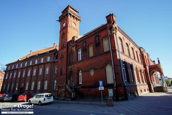 Malbork - w mieście zachowały się budynki z czerwonej cegły